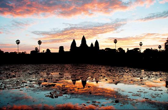 Angkor_Wat_Sunrise