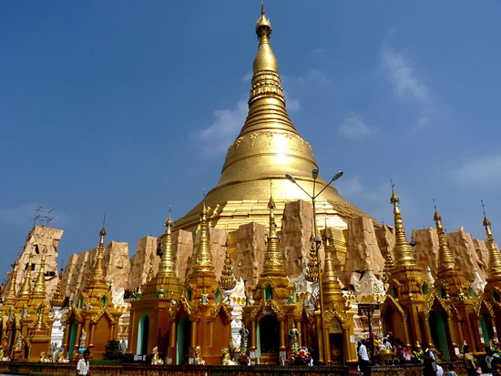 800px-The_Shwedagon_Paya_in_Yangon_(Rangoon),_Myanmar_(Burma)