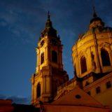 夕日に映える聖ミクラーシュ教会