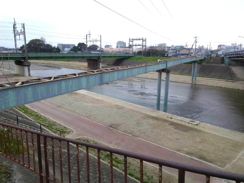 謎の橋の残骸