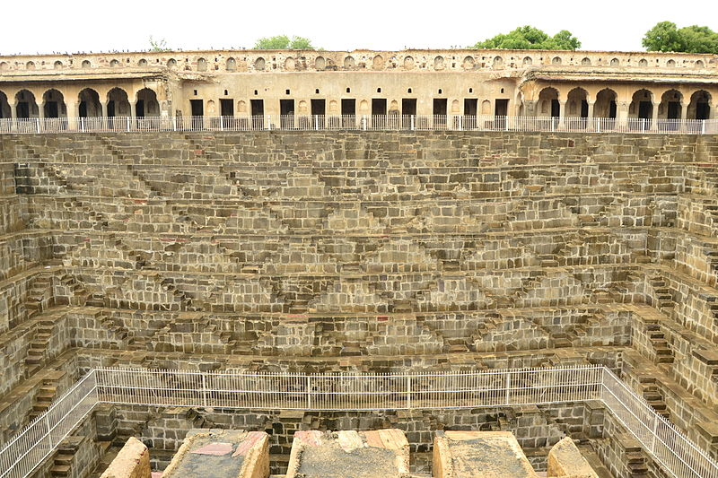 脅威の小宇宙! インドの代表的な「階段井戸」をめぐる旅