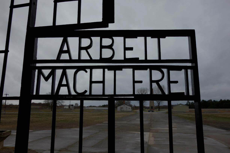 「世界ダークツーリズム」刊行記念企画 ザクセンハウゼン強制収容所(ドイツ)訪問記