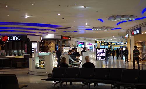 どこでもWifiが通じるデリー国際空港の出発ゲート