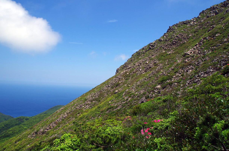 東海汽船で行く! 近すぎるのに凄すぎる絶景の神津島へ