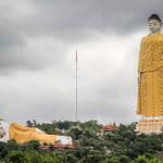 レージュンセッキャ大仏(Laykyun Setkyar Standing Buddha)